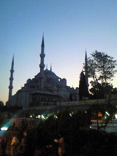 夕暮れのブルーモスク